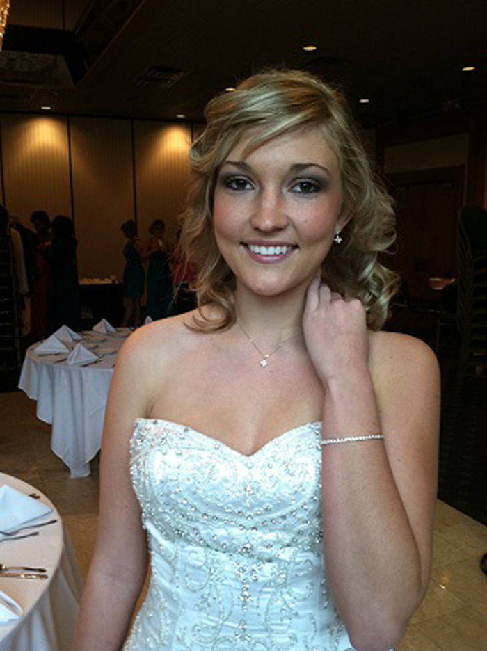 Brides-to-Be-Show-model2-2-18.jpg